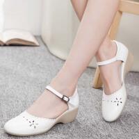 护士鞋夏季女韩版坡跟白色牛筋软底镂空中跟医院凉鞋