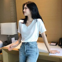 宽松显瘦打底针织衫女2019春装新款学生洋气质白色上衣V领短袖T恤
