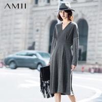 【AMII 超级品牌日】AMII[极简主义]冬新品大码V领落肩袖收腰纯色连衣裙11591932