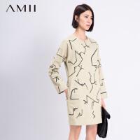 AMII[极简主义]冬不规则字母线条印花毛呢大码连衣裙11581867