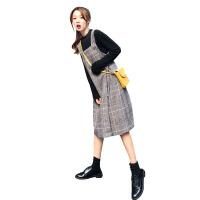 新款秋冬女装韩版chic复古格子呢子格子背带裙连衣裙显瘦裙子 图片色 均码