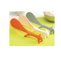 日照鑫包邮  创意家居可爱松鼠 饭勺 可立不粘桌 卫生 食品级塑料韩版厨房餐具 一个装