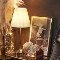 旭呈北欧小台灯卧室简约现代宜家美式复古欧式轻奢温馨结婚床头灯