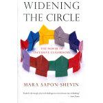 WIDENING THE CIRCLE(ISBN=9780807032800) 英文原版