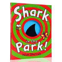 公园里的鲨鱼 进口英文原版绘本 Shark in the Park 洞洞书 吴敏兰绘本123 第26本 名家Nick S