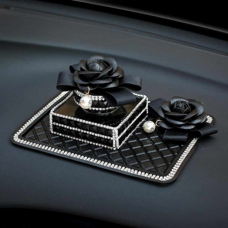 汽车用品香水座式车载车用摆件山茶花装饰创意香水瓶女除异味饰品