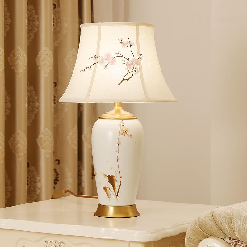 中式手绘陶瓷台灯卧室床头灯书房客厅台灯现代简约床头柜装饰灯具 发货周期:一般在付款后2-90天左右发货,具体发货时间请以与客服协商的时间为准