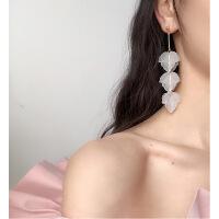 树叶子耳环 韩国气质长款吊坠 个性潮人耳坠 冷淡风仙女森系耳饰 白色-银针
