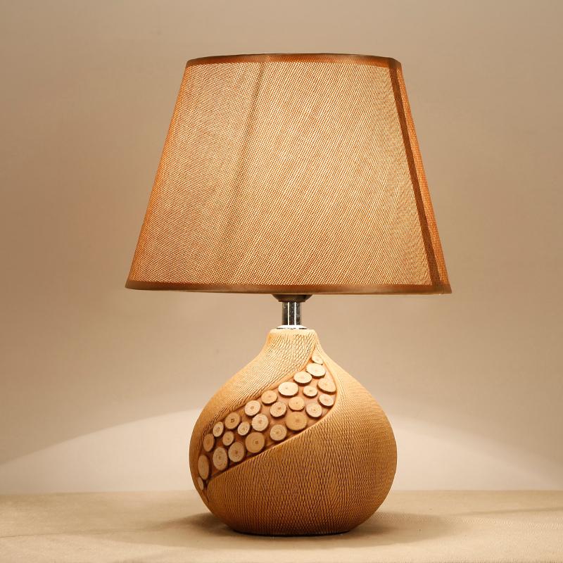 北欧时尚客厅婚庆漫咖啡时尚台灯现代创意个性陶瓷卧室床头台灯 欧式陶瓷台灯 发货周期:一般在付款后2-90天左右发货,具体发货时间请以与客服协商的时间为准