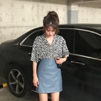 夏季韩版豹纹印花V领短袖衬衫+显瘦皮质高腰短裙半身裙时尚套装女