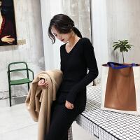 FECN 2018秋冬新款修身显瘦打底针织连衣裙长袖V领毛衣长裙女装