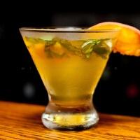 鸡尾酒杯 三角杯雪糕杯冰激凌杯甜品杯沙拉杯 创意酒吧马天尼杯