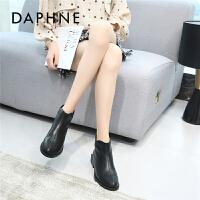 Daphne/达芙妮马丁靴女2019秋冬新款厚底短靴尖头显瘦休闲女靴子