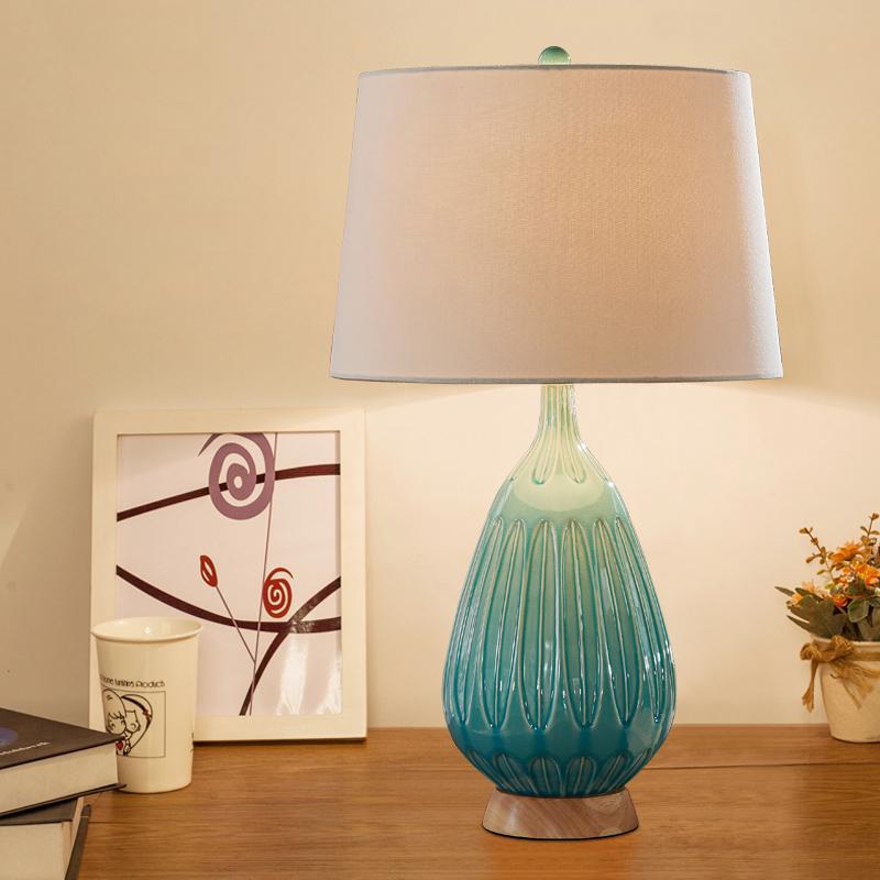 欧式陶瓷小台灯卧室床头灯简约现代温馨暖光美式遥控客厅北欧灯具 发货周期:一般在付款后2-90天左右发货,具体发货时间请以与客服协商的时间为准