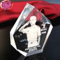 水晶内雕照片定制 退伍老兵礼品纪念品 生日礼物水晶摆件 图片色
