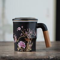 唐�S陶瓷茶杯家用��人杯浮雕梅花杯木把�^�V三件套�k公杯