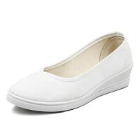 全白护士鞋女坡跟浅口套脚中跟美容院鞋软底布鞋白色工作鞋