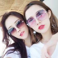 女士潮流圆脸眼镜方脸墨镜2019新款韩版女士街拍太阳镜