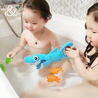 洗澡夹夹乐宝宝浴室戏水大鱼吃小鱼游戏儿童游泳池玩具